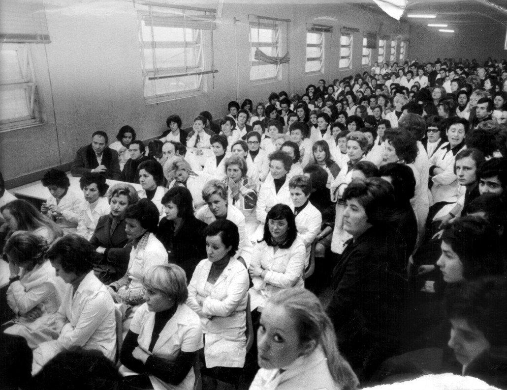1970 assemblea delle lavoratrici della ducati 9e528f8807be